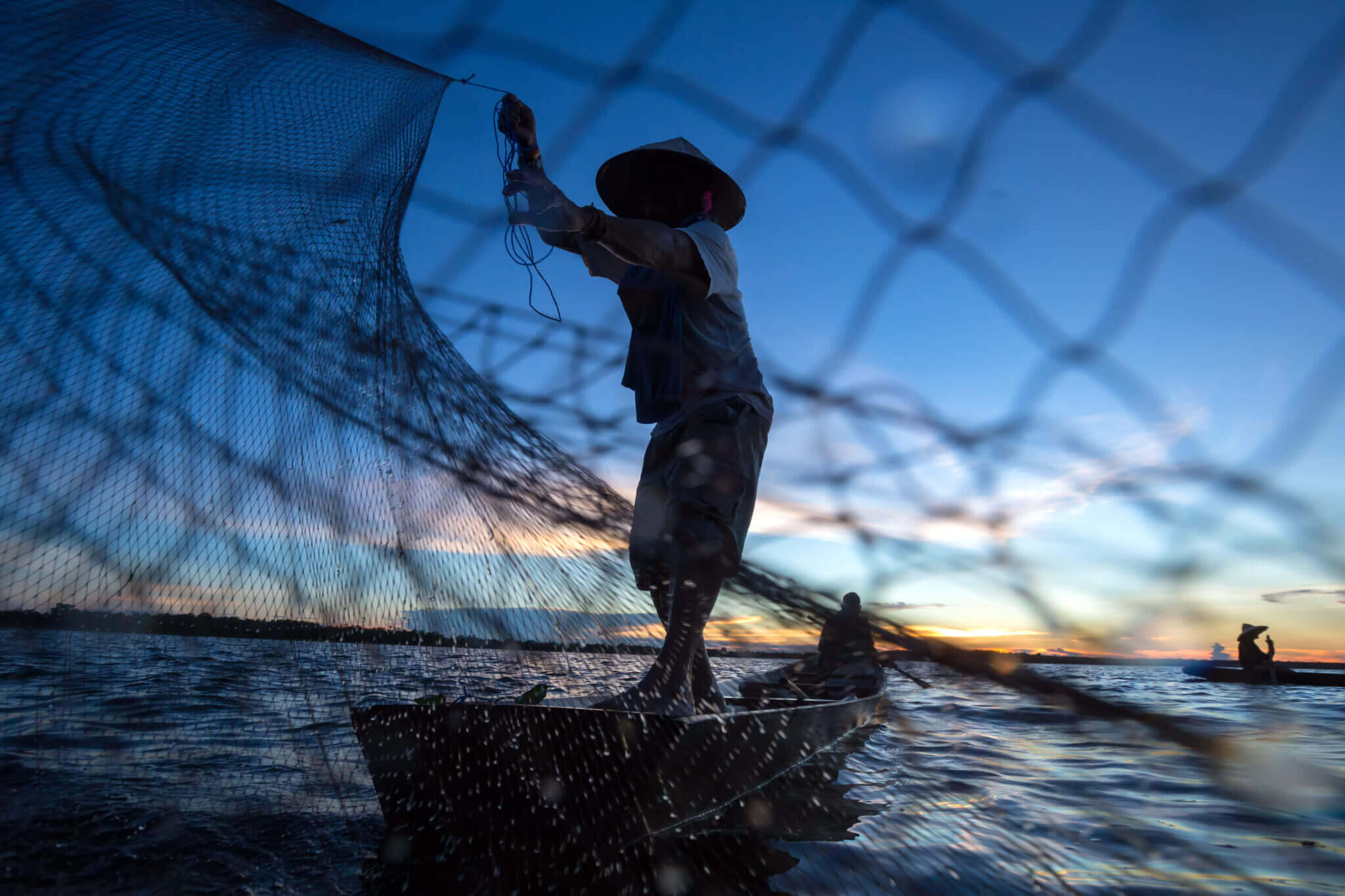 Fisherman-Casting-Net